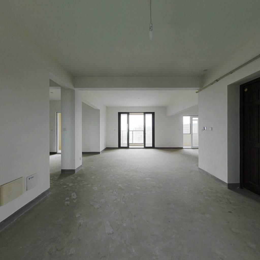 该房满两年 4开间南 南北通 户型方正 都亮间 无遮挡