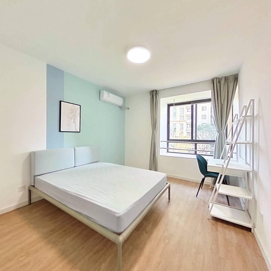 合租·保利御樽苑(公寓) 4室1厅 南卧室图