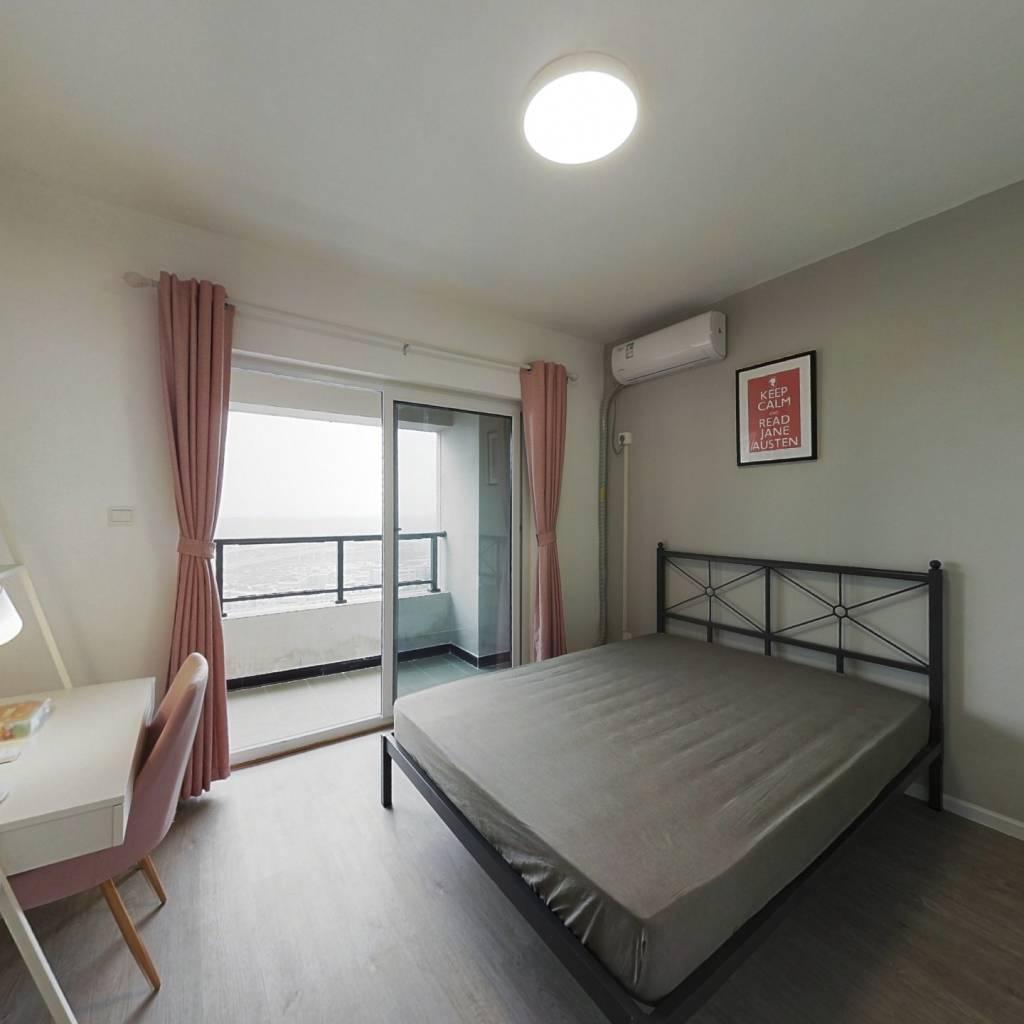 合租·隆鑫印象东方 4室1厅 西卧室图