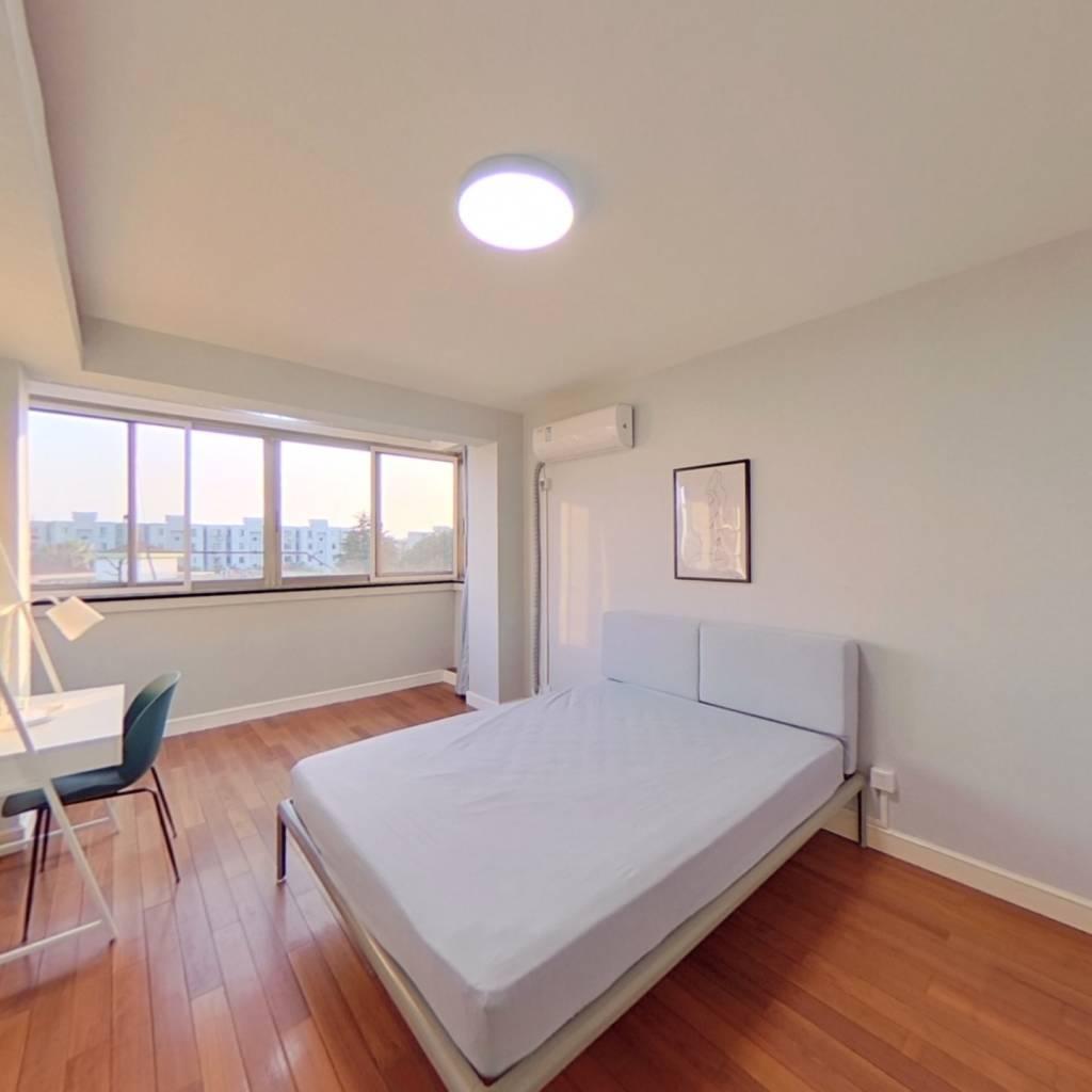 合租·东陆新村二街坊 3室1厅 南卧室图