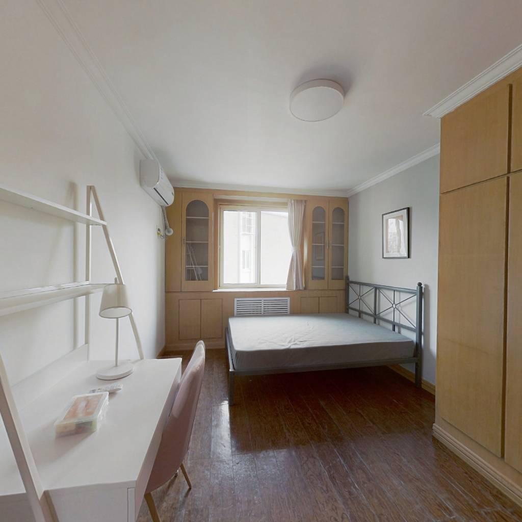 合租·金合园 3室1厅 南卧室图