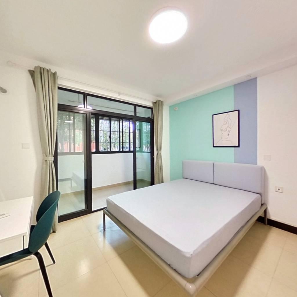 合租·申城佳苑 4室1厅 东卧室图