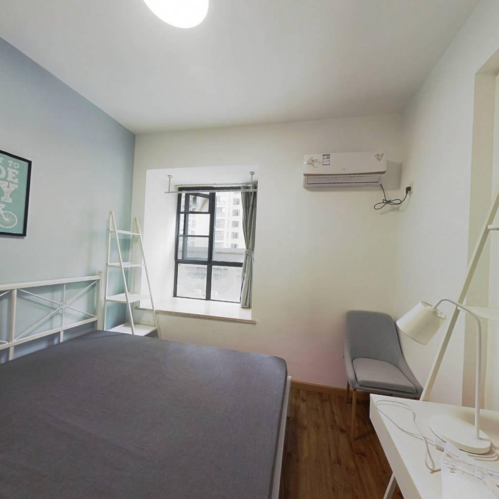 合租·钰龙湾 4室1厅 南卧室图