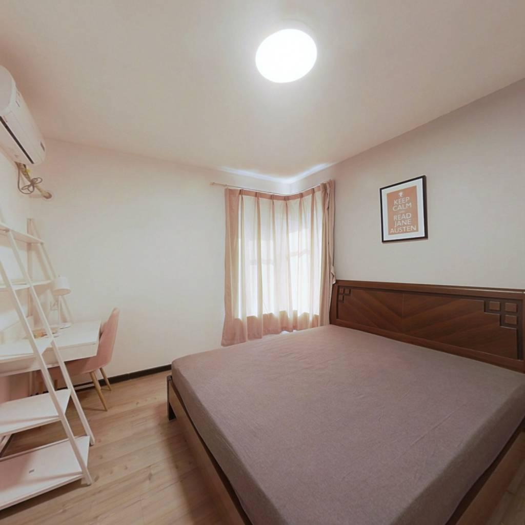 合租·花神美境 4室1厅 南卧室图