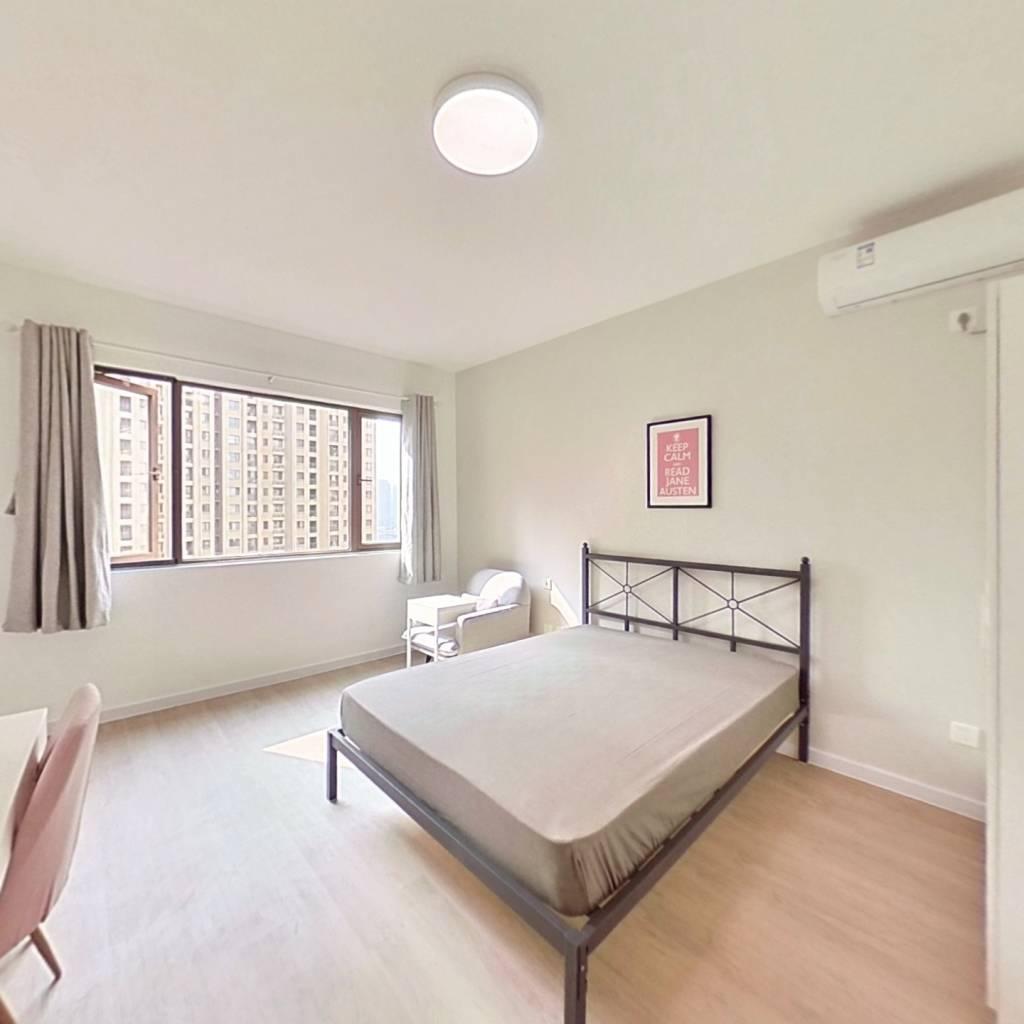 合租·天悦龙庭 5室1厅 南卧室图