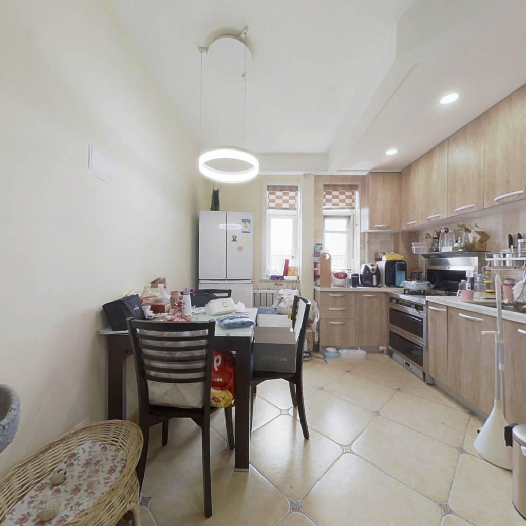 月坛金融街满五年总价低两居室全明格局