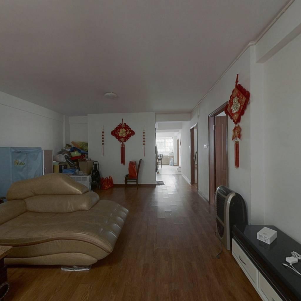台江二环内排尾龙成丽景端头居家大三房诚售。