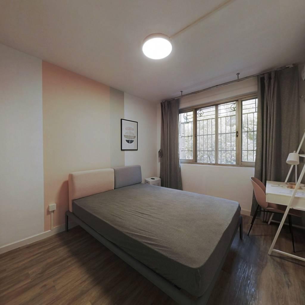 合租·华龙家园 3室1厅 南卧室图
