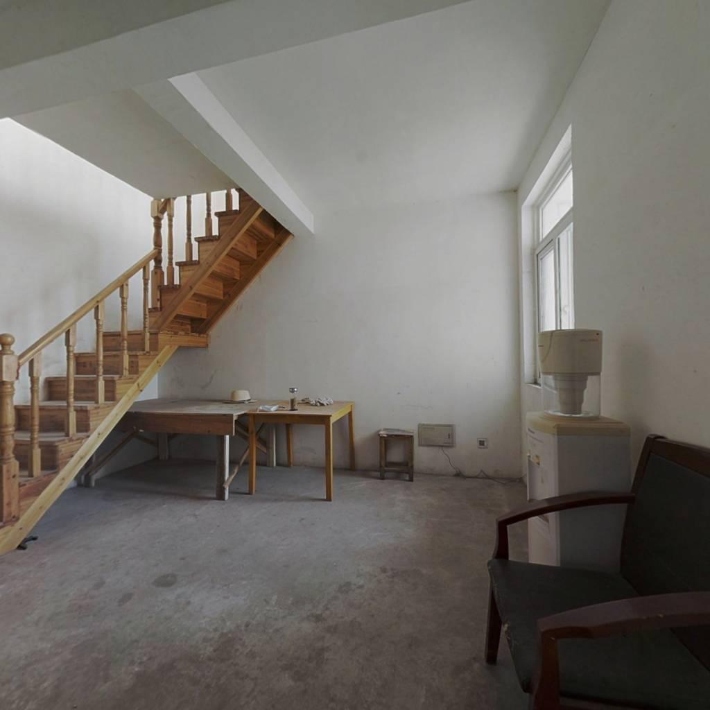 舒馨花园北区 5室2厅 西