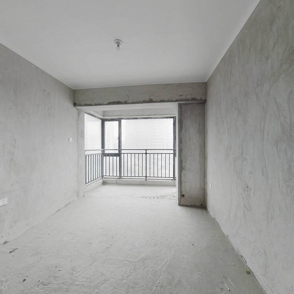 中骏花城二期方正两房!证近满两年,看房有钥匙