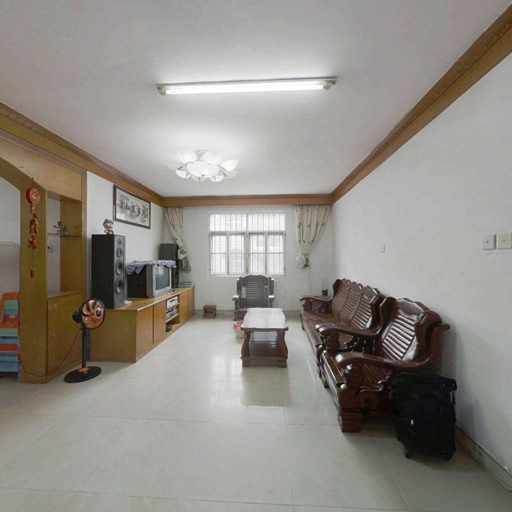 锦绣银庄 3室2厅 78万 附带一楼小杂物间