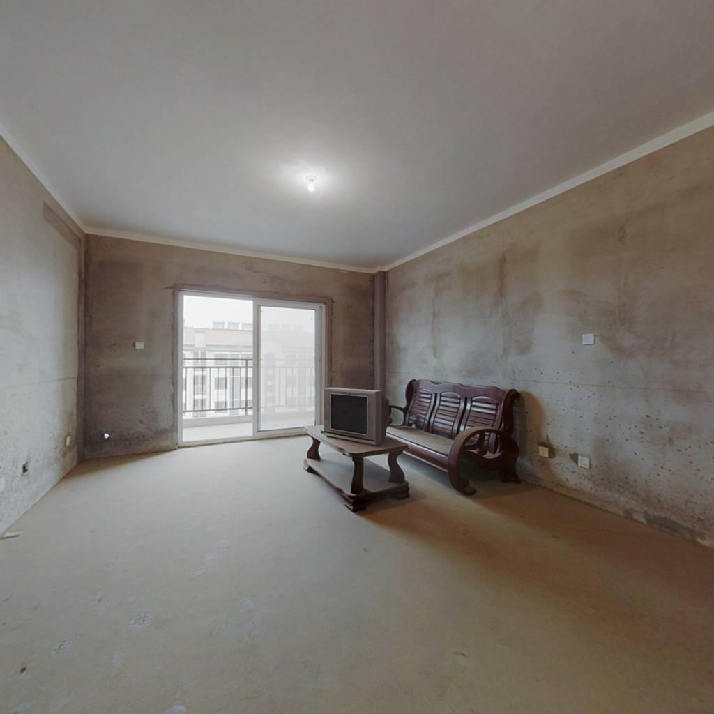 次新小区,高楼层,纯毛坯房,采光好,看房方便。