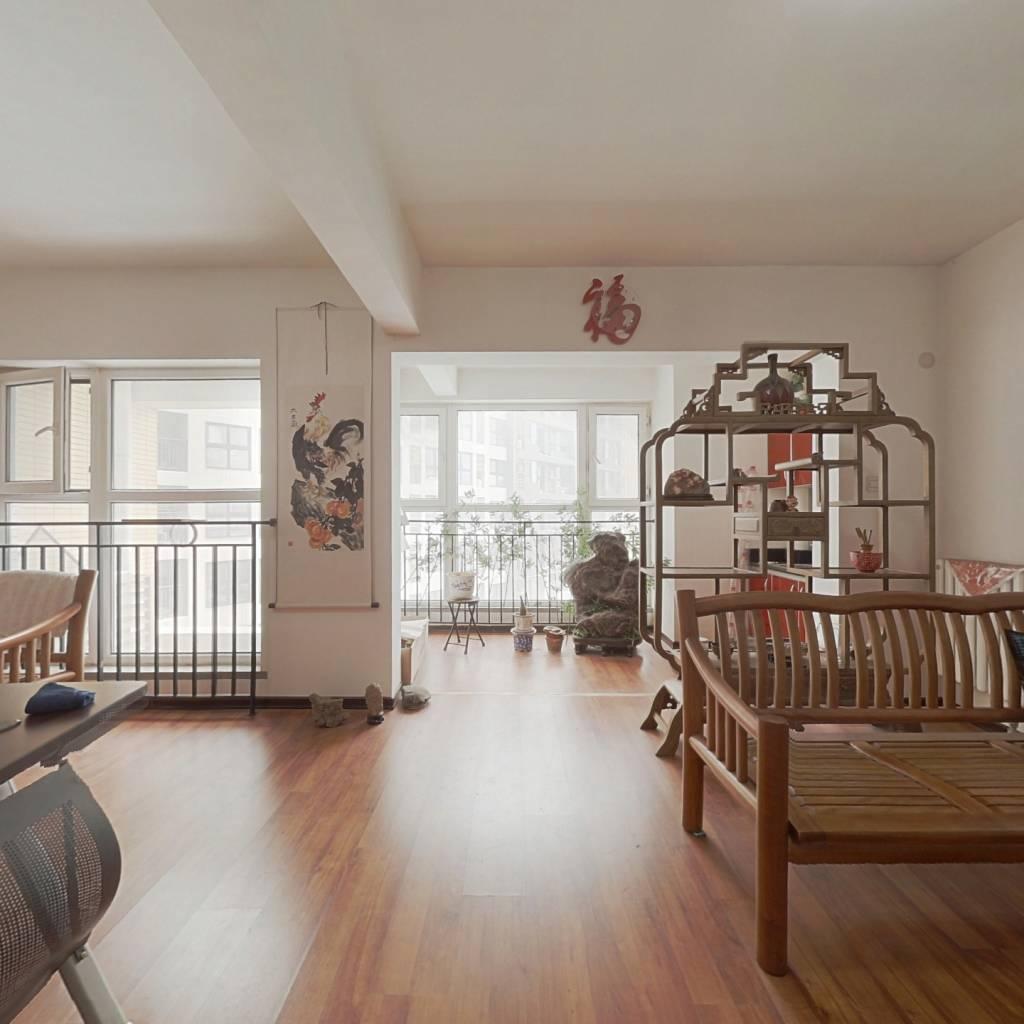 重汽彩世界公寓 可办公可居住 户型方正