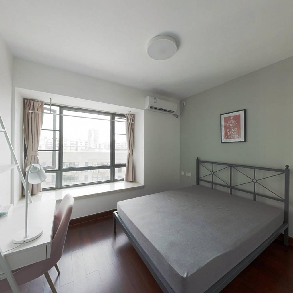 合租·新世界凯粤湾 4室1厅 南卧室图
