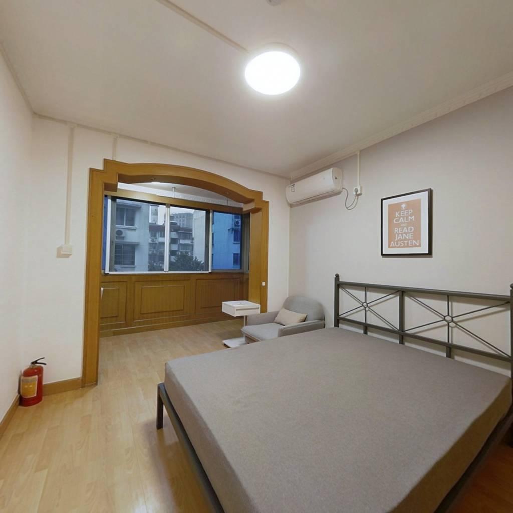 合租·世纪坊 3室1厅 南卧室图