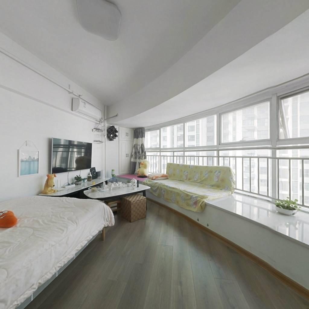 精装现房的沿河观景公寓,业主诚意出售