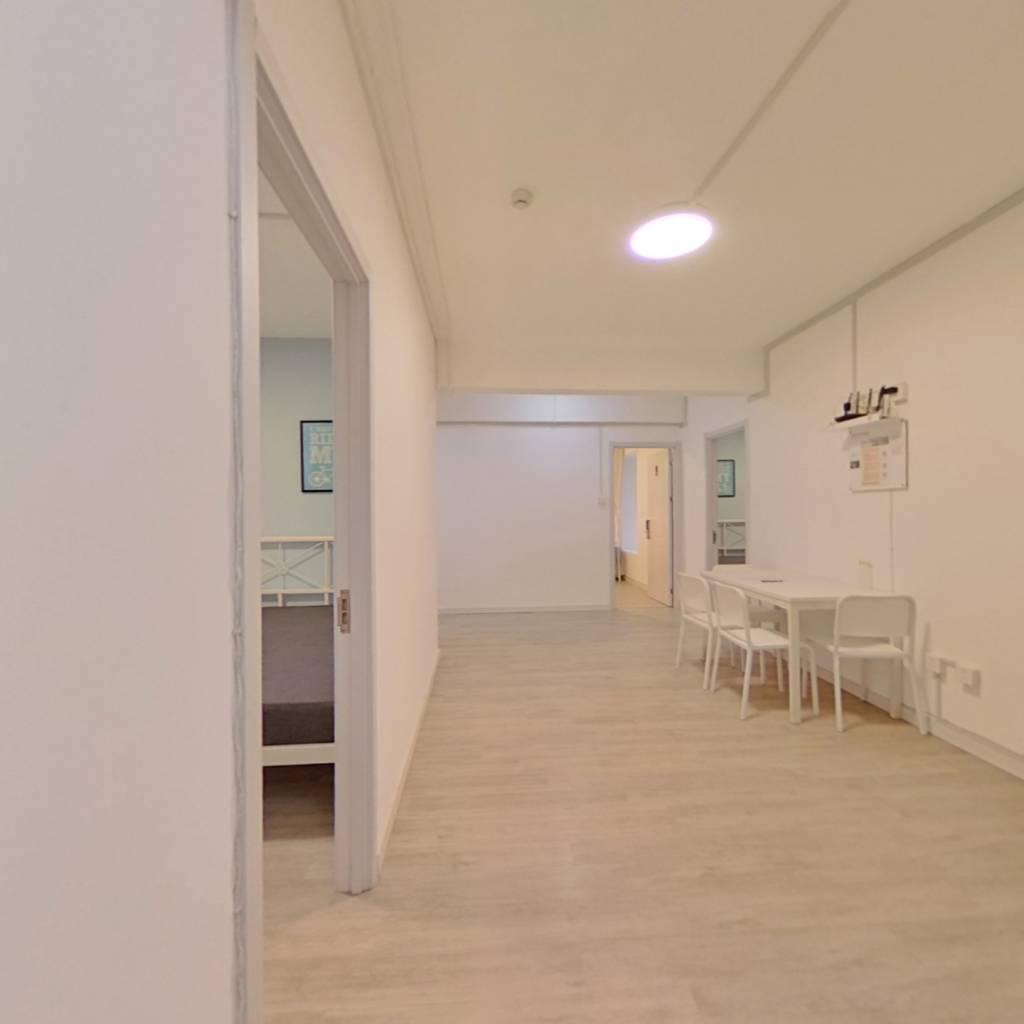 合租·长投珑庭 4室1厅 北卧室图