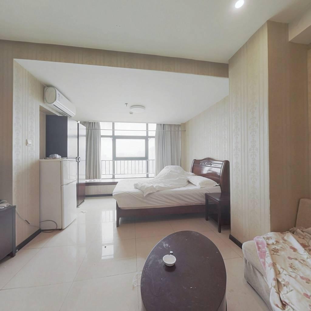 70年住宅低总价一室一厅高楼层采光好汉口内环