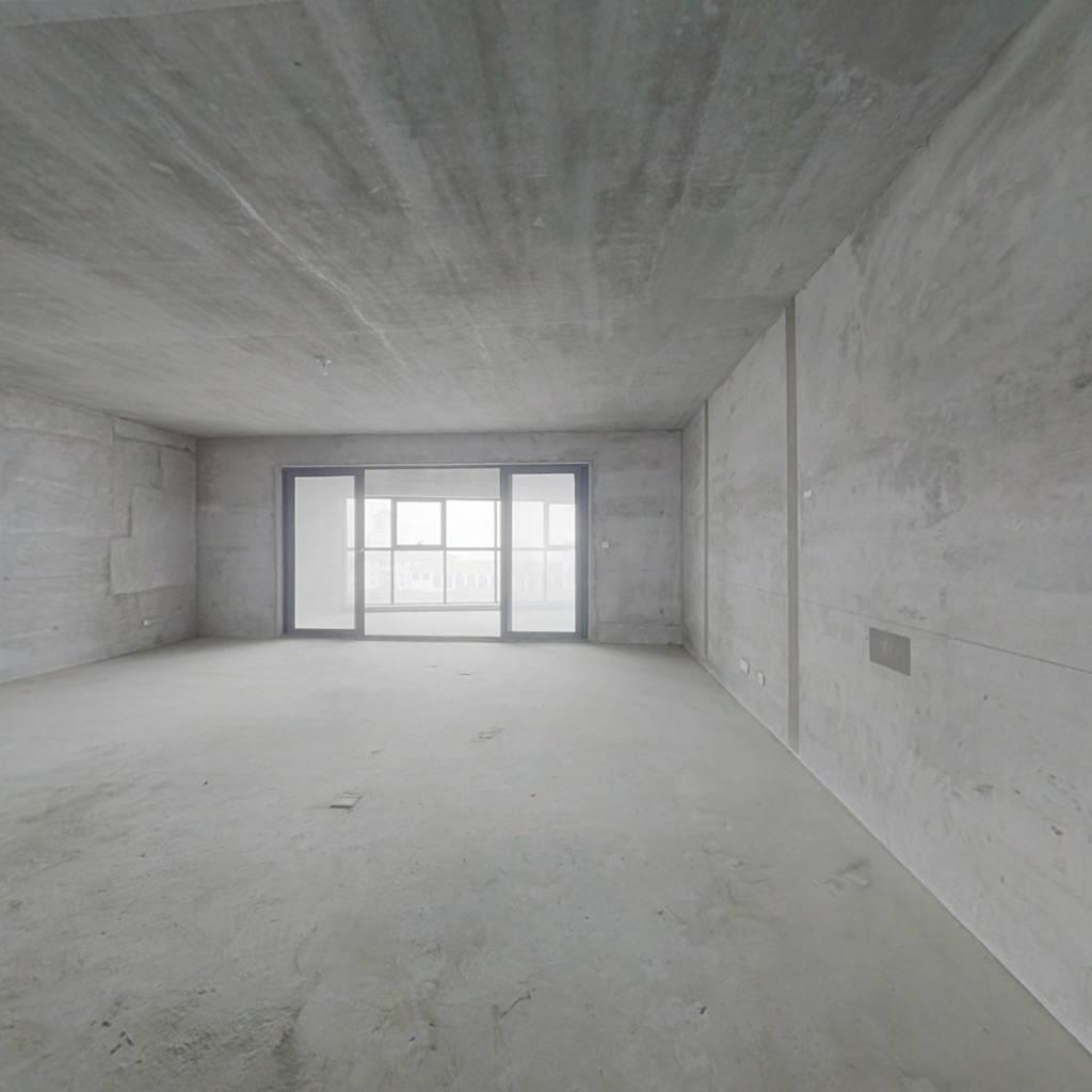 天悦湾、467平米 改善大户型,南北阳台