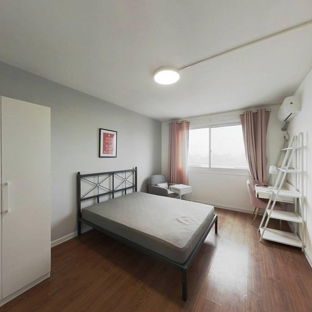 合租·海鹏花苑 4室1厅 东南卧室图