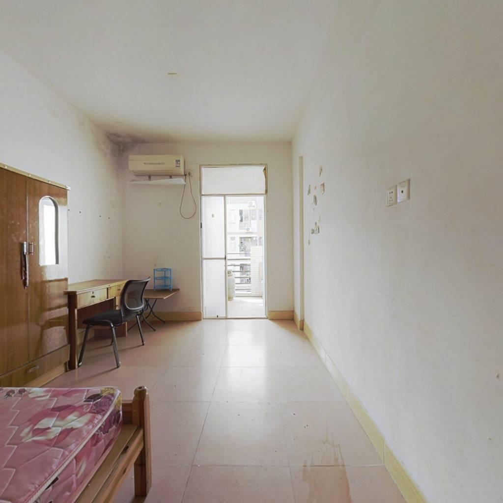 山水花城单身公寓  简单装修  带租约  成熟配套