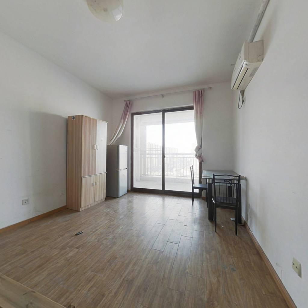 公寓  朝北的 房主诚心卖  通风好 看房方便