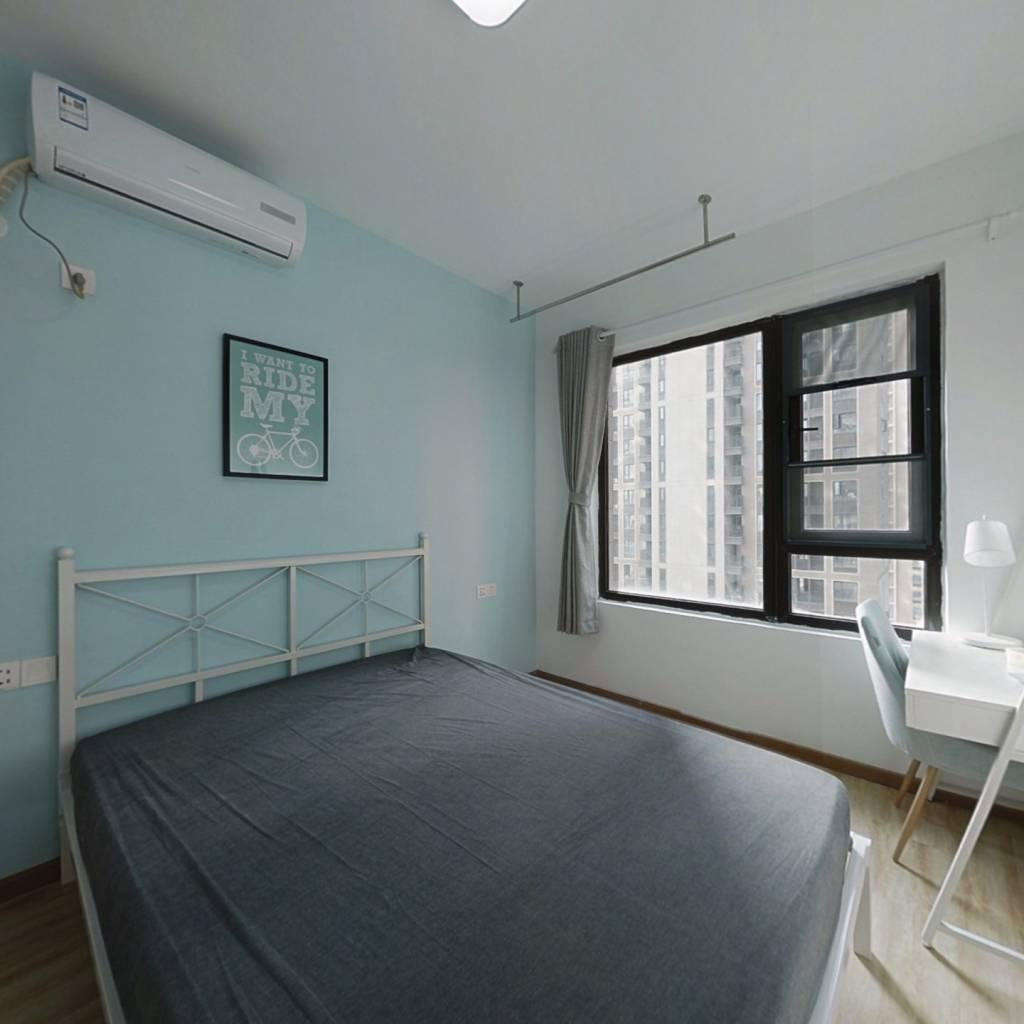 合租·融创公园壹号二期 3室1厅 南卧室图