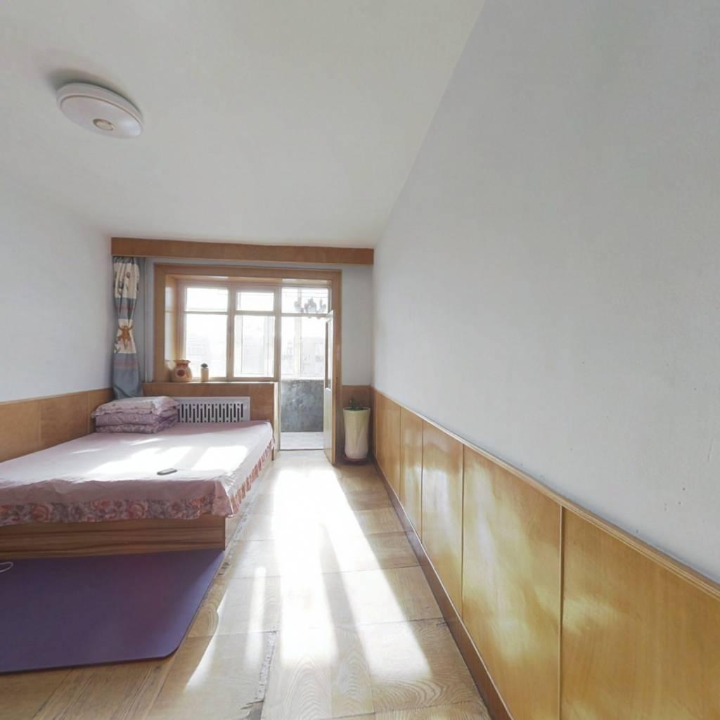 南市场 三室一厅 南北通透 6层 采光充足 配套齐全