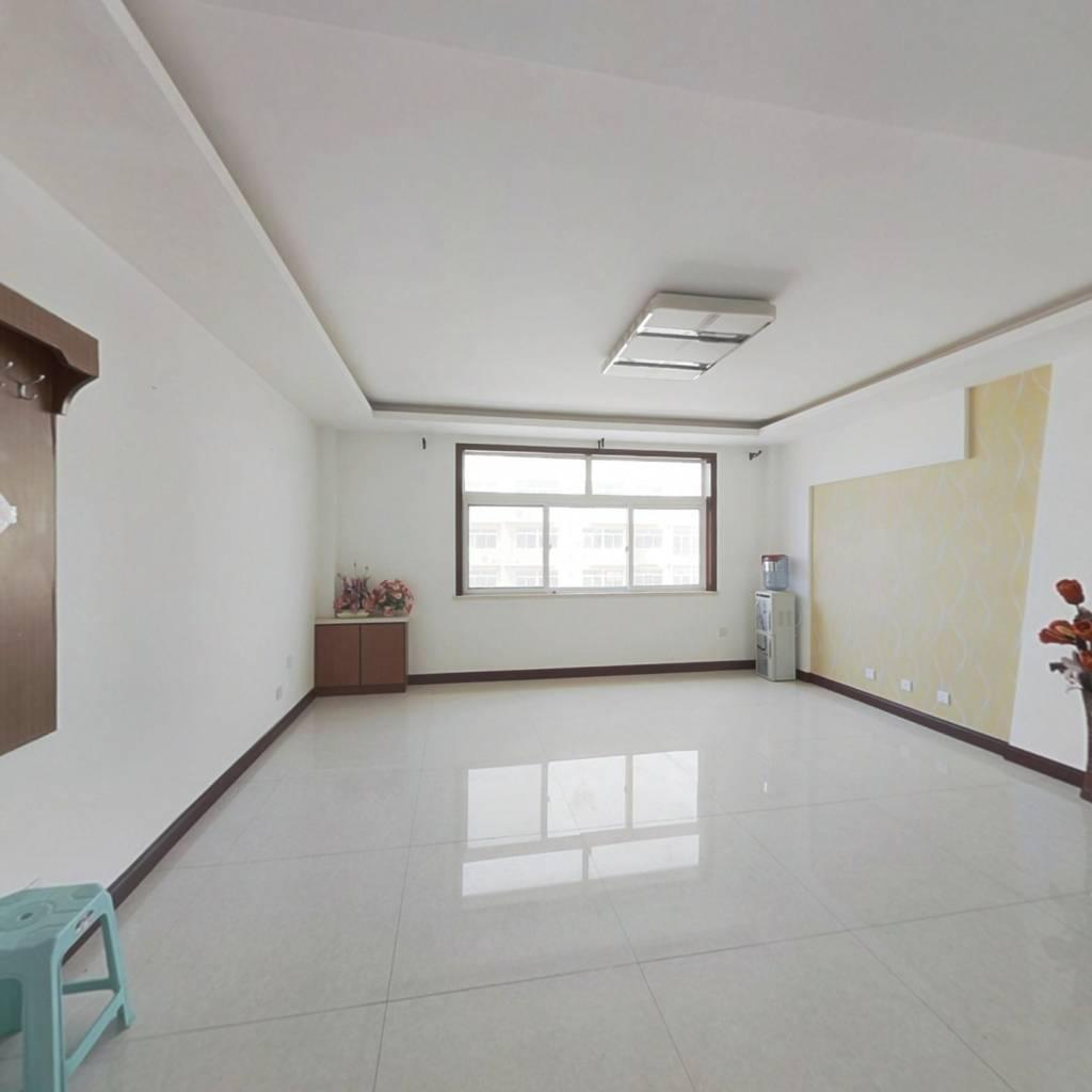 黄海花园 3室2厅 北