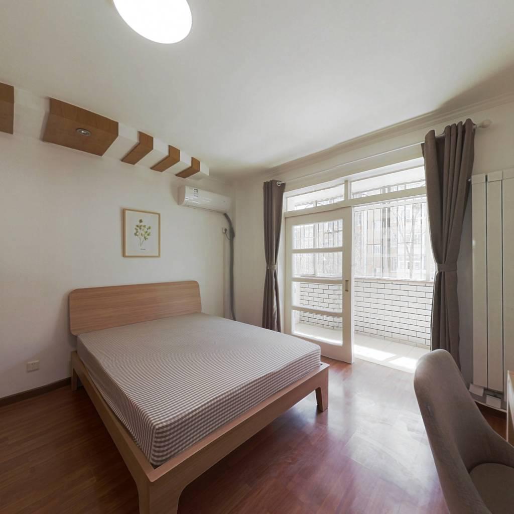 合租·水关新村 4室1厅 南卧室图