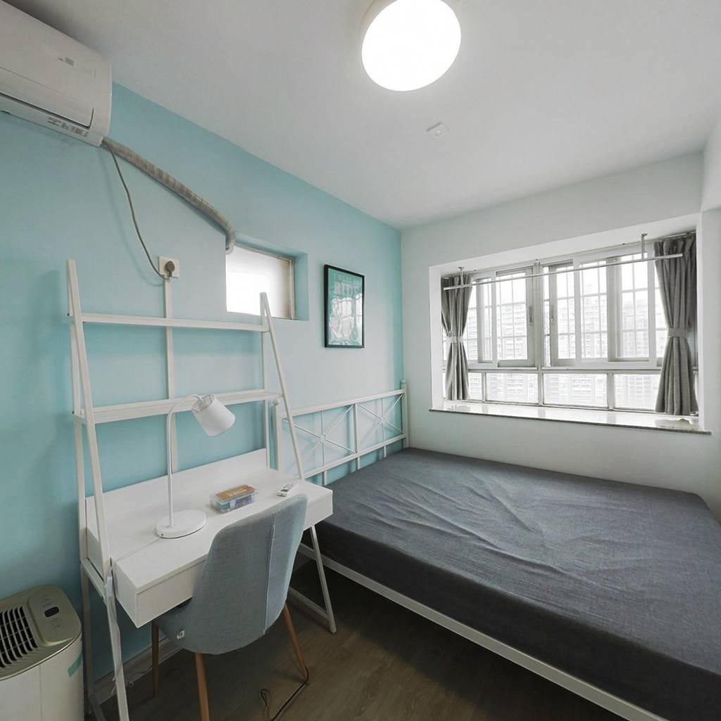 合租·天成大厦 4室1厅 北卧室图
