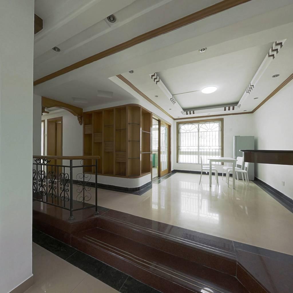 合租·新锦安雅园一期 5室1厅 东北卧室图