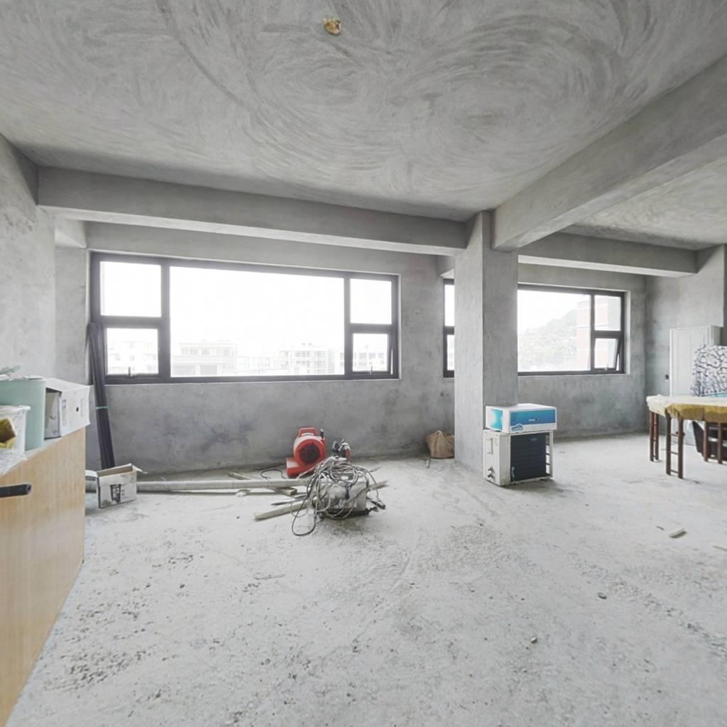 长山新建商品房 大面积 设计空间无限