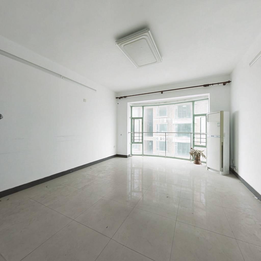 宏远时代广场大4房出售,楼层好,光线足
