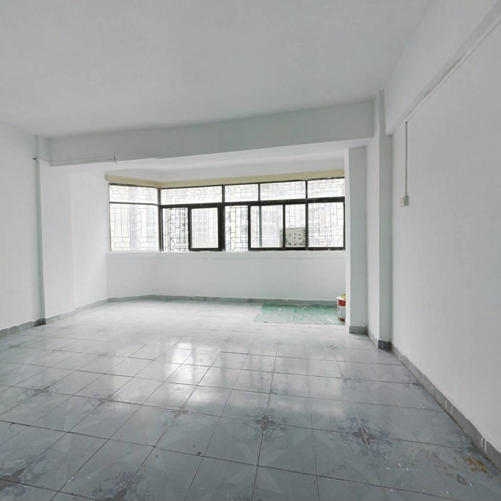 雲海花園 3室1厅 东南 东 南