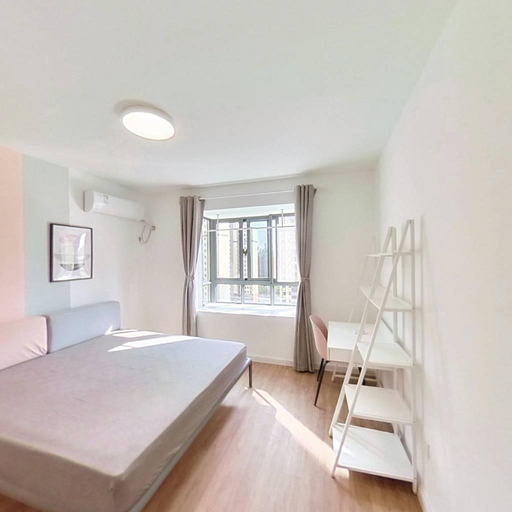 合租·梅香苑西苑 4室1厅 南卧室图