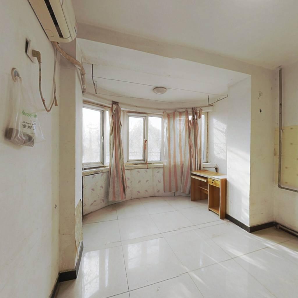 樱花园二区一层朝南业主诚心出售看房方便
