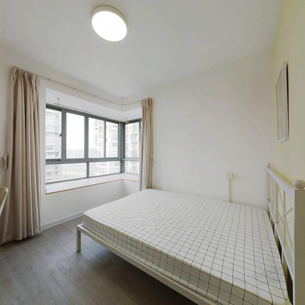 合租·红街公寓 5室1厅 南卧室图