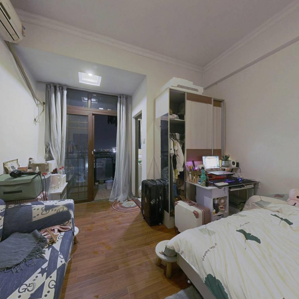 精装修一房一厅,过渡期方便,价格低