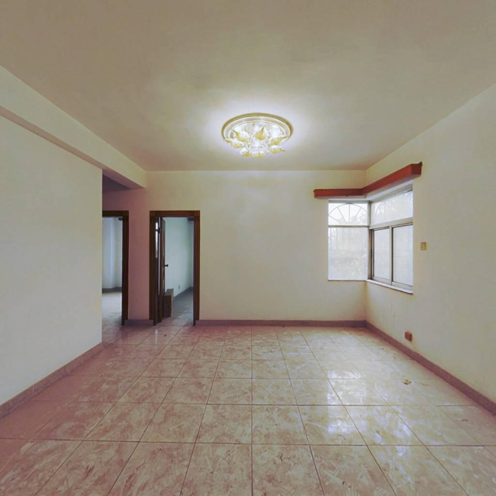东江花园,电梯大二房,格局方正,简单装修,采光好