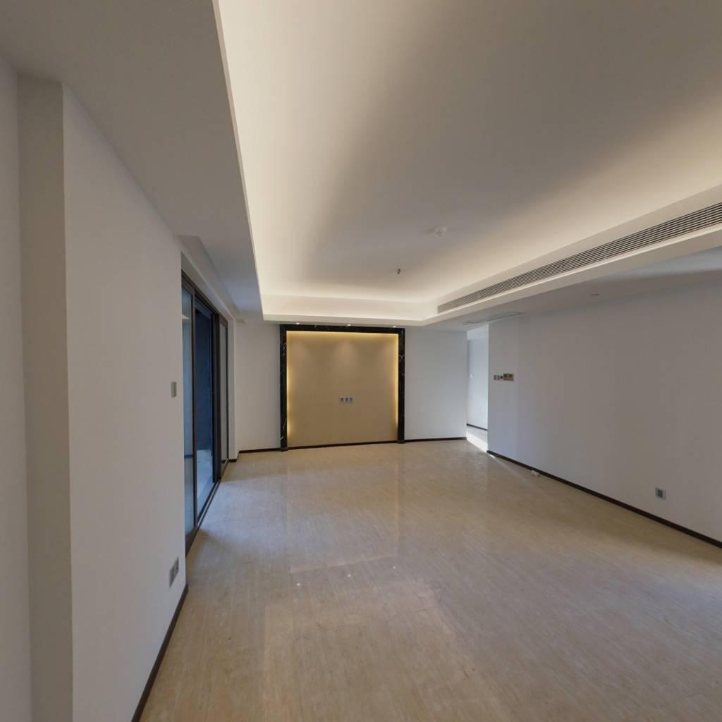 越秀国际金融汇-品牌地产-3房2厅2卫-随时看房子