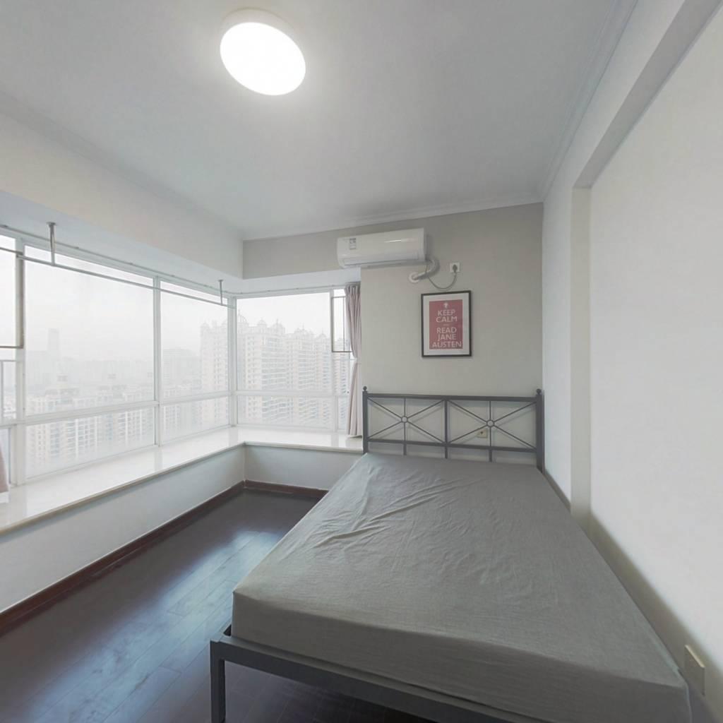 合租·泓景花园 3室1厅 北卧室图