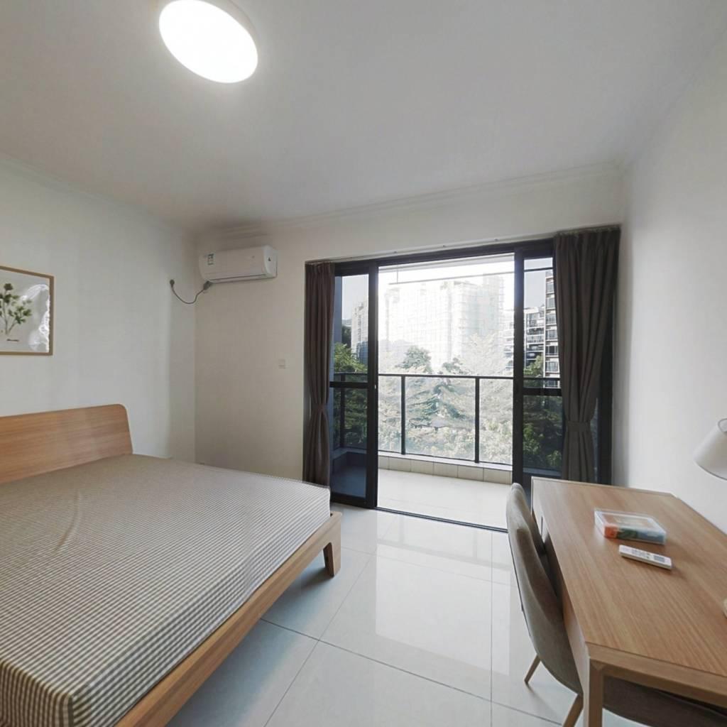 合租·保利香雪山花园 5室1厅 南卧室图
