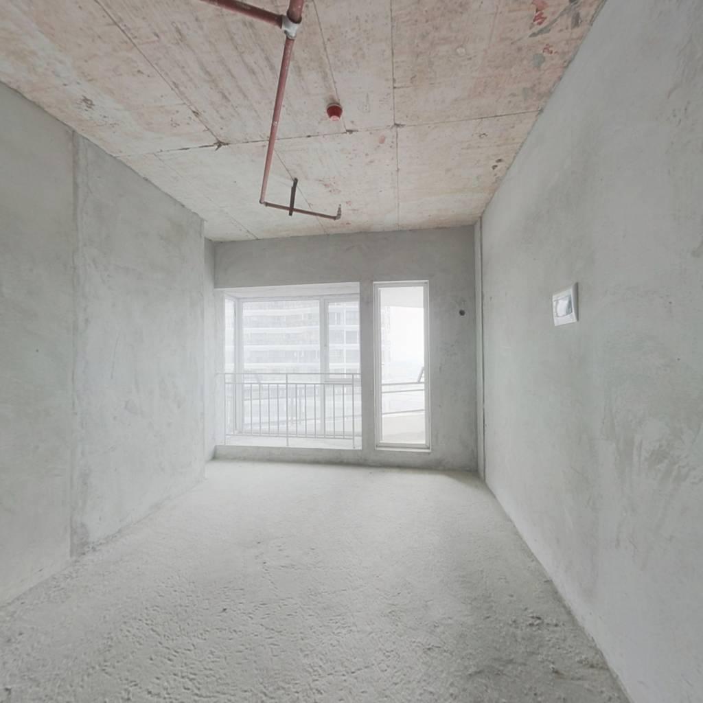 一室小房间,采光好,视野宽阔,适宜居住