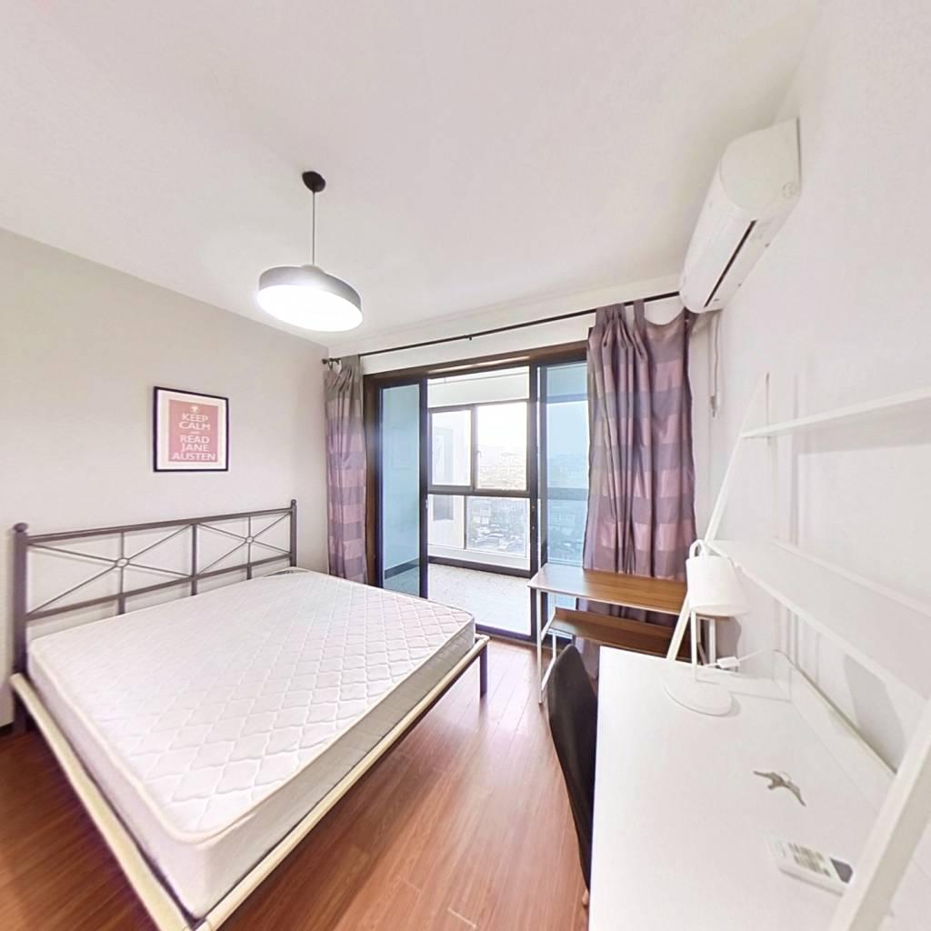 合租·太阳国际公寓 4室1厅 南卧室图