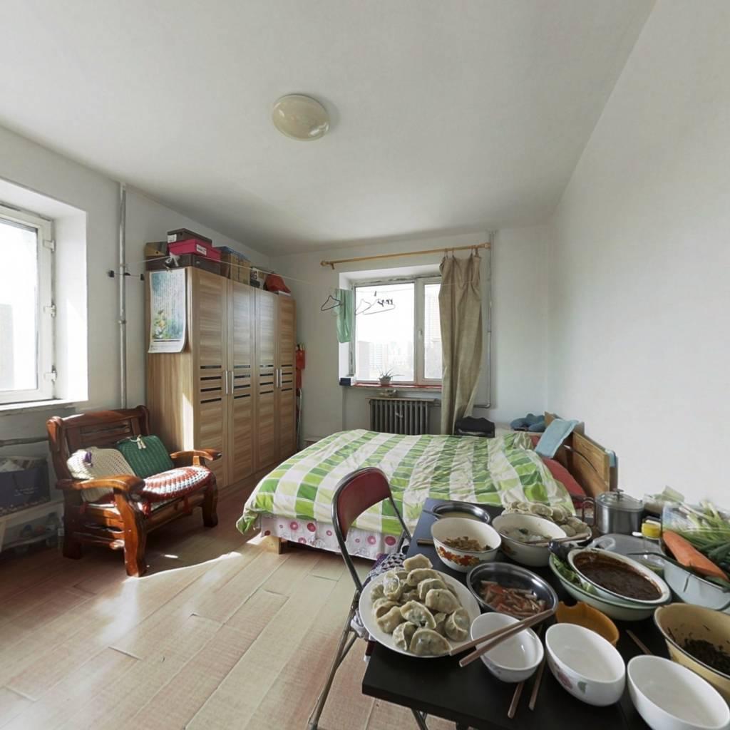 文政街 两室一厅 楼层好经典小户型 价格美丽
