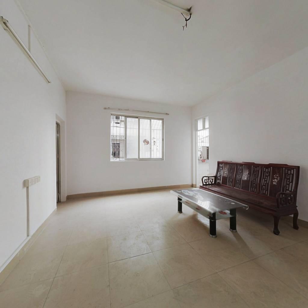 黄河商圈,简装三房, 业主诚心出售。