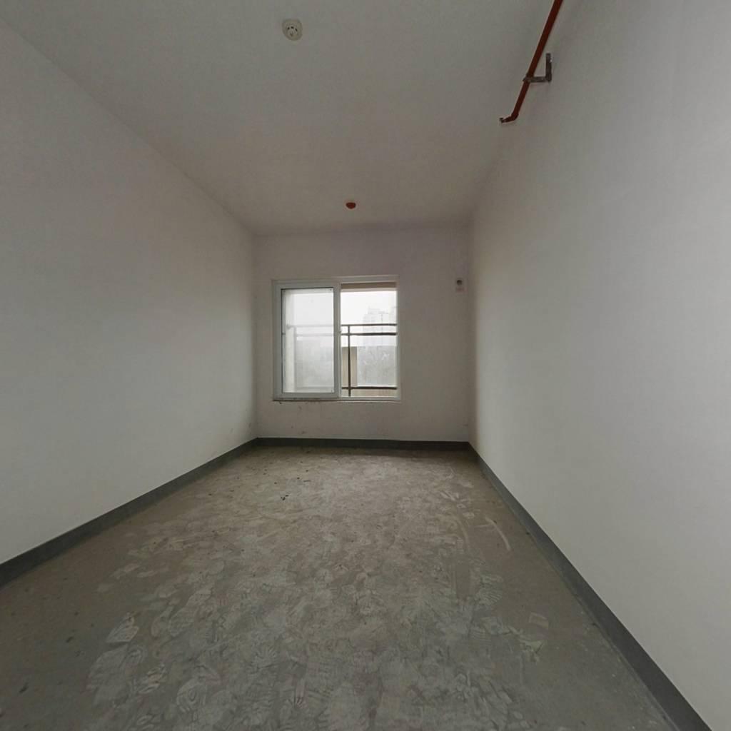 杨家坪单身公寓   适合刚需过渡