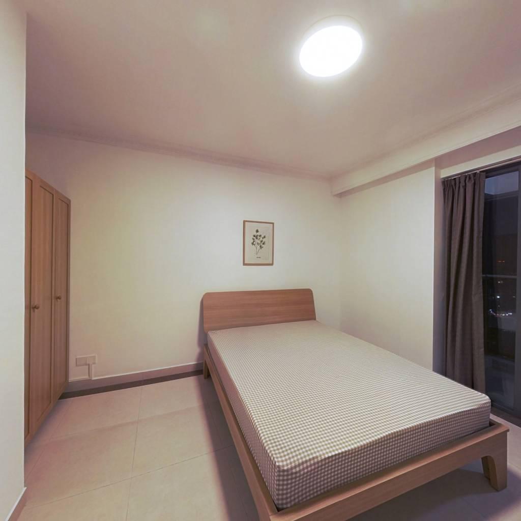 合租·新世界逸彩庭园 4室1厅 北卧室图