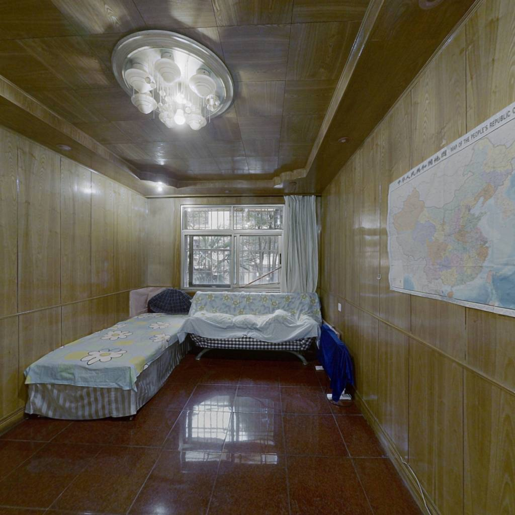 温馨小居室,低楼层,宜居住,。
